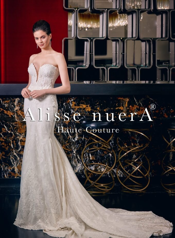 Reveal your elegant look with thick wedding dresses